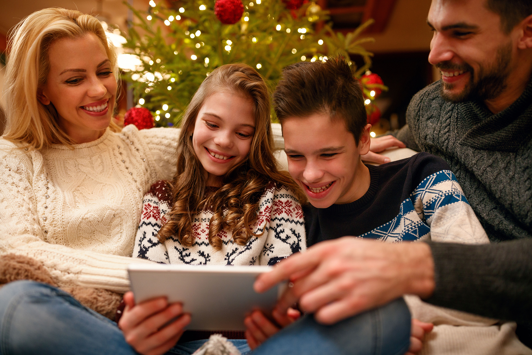 How to Make Christmas More Meaningful for Your Kids